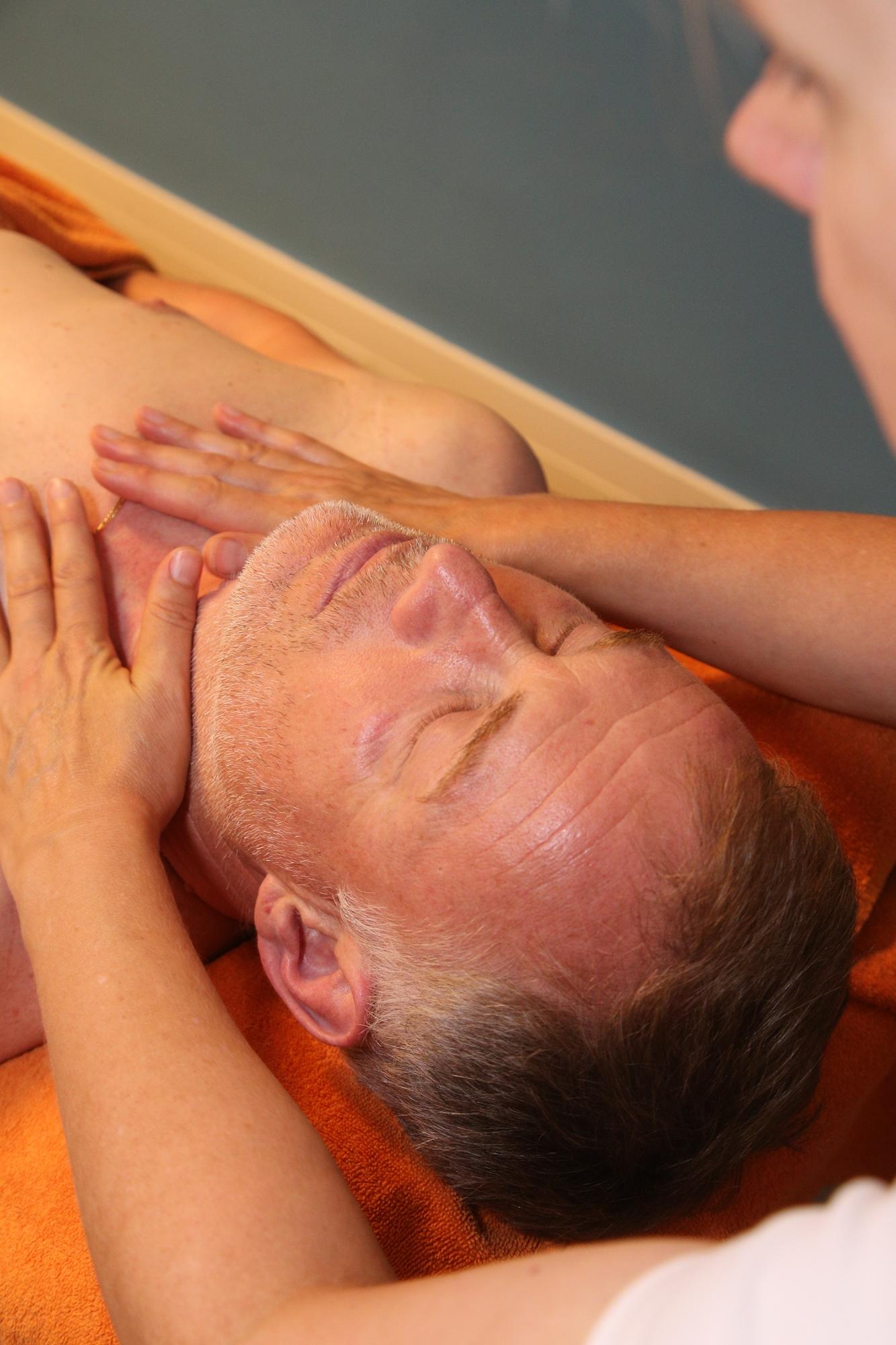 Pflege, Kosmetik und Massagen von Lisa Kreuzmayr